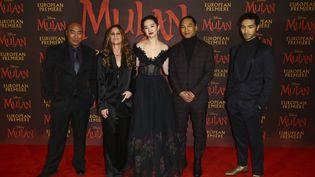 Les acteurs de Mulanpour l'avant-première du film de Disney à Londres (Royaume-Uni), le 12 mars 2020. (JOEL C RYAN / AP / SIPA)