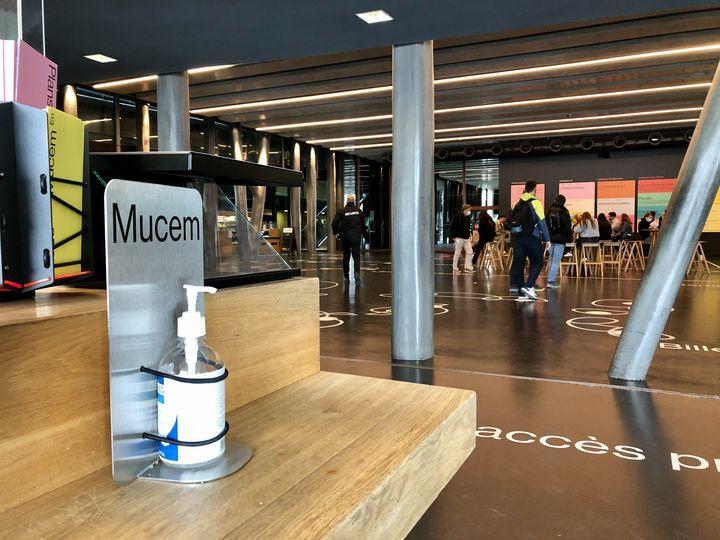 L'accueil du Mucem, à Marseille, le 26 septembre 2020. (NOEMIE BONNIN / RADIO FRANCE)