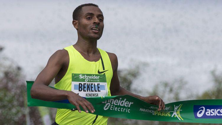 Kenenisa Bekele remporte le marathon de Paris (ETIENNE LAURENT / MAXPPP)