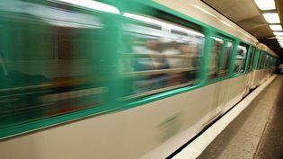 Une rame du métro parisien. (JACK GUEZ / AFP)