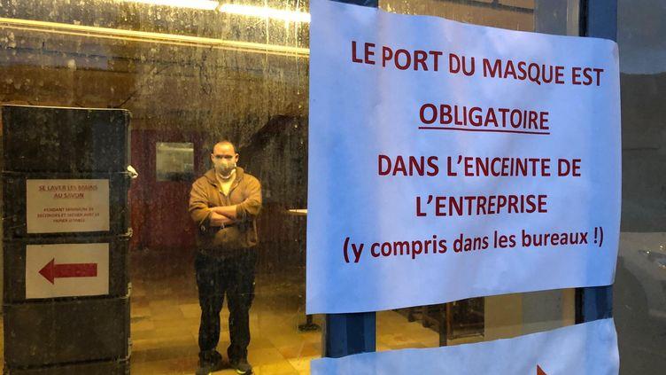 L'usine Labonal àDambach-la-Ville (Bas-Rhin)reprend sa production de chaussettes après deux mois de confinement. (MATTHIEU MONDOLONI / FRANCE-INFO)