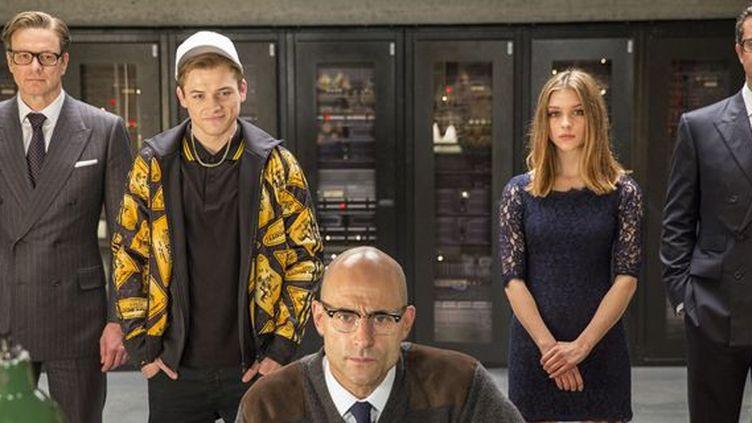"""Colin Firth, Mark Strong, Sophie Cookson, et Taron Egerton dans """"Kingsman : services secrets"""" de Mattew Vaughn  (20th Century Fox)"""