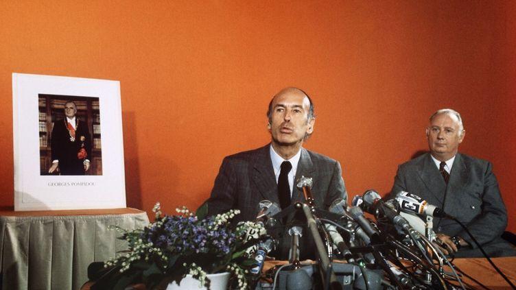 L'ancien président Valéry Giscard d'Estaing lors de sa première conférence de presse comme candidat à la présidentielle, le 12 avril 1974, à Paris. (AFP)