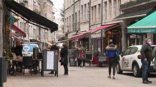 Une rue de Besançon (Doubs). (CAPTURE D'ÉCRAN FRANCE 3)