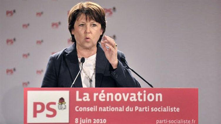 Martine Aubry, lors de l'ouverture du conseil national à la Mutualité à Paris, le 8 juin 2010. (AFP - Bertrand Langlois)