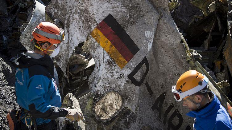 Au total, cent cinquante personnes dont 72 Allemands et 50 Espagnols sont mortes dans le crash survenu le 31 mars 2015 dans les Alpes. (YVES MALENFER / AFP)