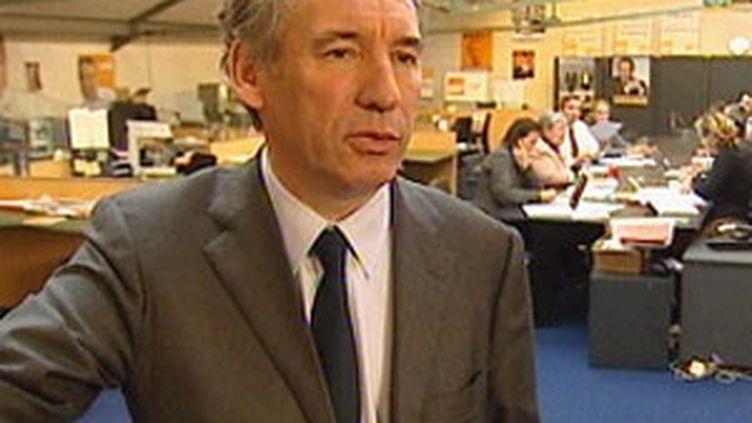 François Bayrou, président du MoDem, le 30/11/07 (Fr3-12/13)