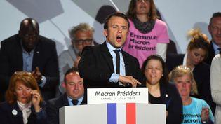 Emmanuel Macron lors de son meeting à Arras (Pas-de-Calais), le 26 avril 2017. (CHRIS NAIL / ANADOLU AGENCY)