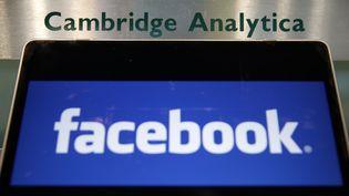 Les autorités américaines ont déclaré le 4 décembre 2019 que Cambridge Analytica avait trompé les utilisateurs du réseau social. (DANIEL LEAL-OLIVAS / AFP)