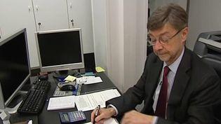 Un pot de départ à la retraite de plus de 12 000 euros a été organisé pour un cadre de la mairie de Rueil-Malmaison, dans les Hauts-de-Seine. Une dépense indécente qui passe mal auprès des administrés. (france 2)