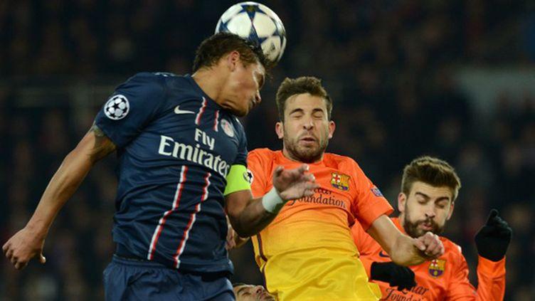 Thiago Silva devrait rester parisien la saison prochaine. (FRANCK FIFE / AFP)
