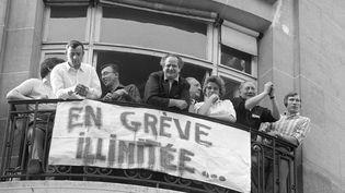 Des grèvistes en mai 1968 à Paris. (JACQUES MARIE / AFP)