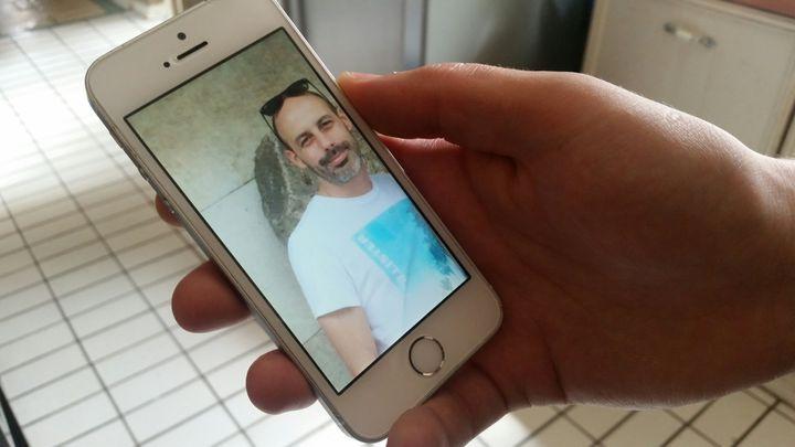 Leportrait de Sébastien Belanger, un Français de 36 ans disparu depuis l'attentat de Londres, le 3 juin 2017. (BENJAMIN ILLY / FRANCEINFO)