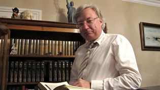 Bruno Dewaele, unprofesseur de Lettres qui a pratiqué pendant 21 ans la compétition orthographique au plus haut niveau,Hazebrouck (Nord),le 15 octobre 2012. (MARIE-ADELAIDE SCIGACZ / FRANCETV INFO)
