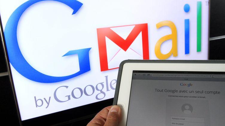 Un internaute utilisant Gmail, à Mulhouse (Haut-Rhin), le 12 septembre 2014. (MAXPPP)