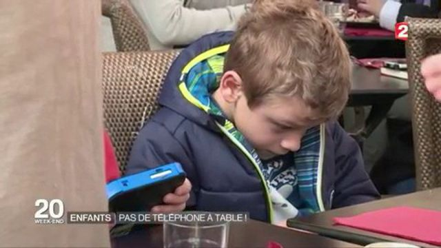 Enfants, pas de téléphone à table