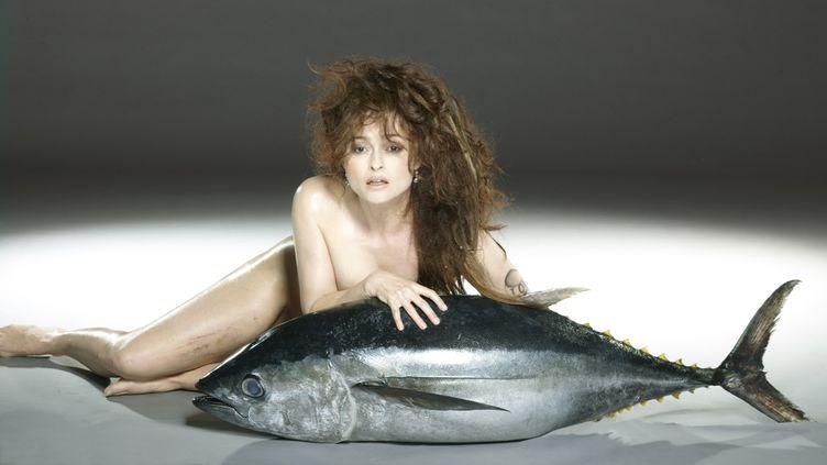"L'actrice Helena Bonham Carter pose pour la campagne ""Fishlove"". (JOHN SWANNELL / FISHLOVE)"