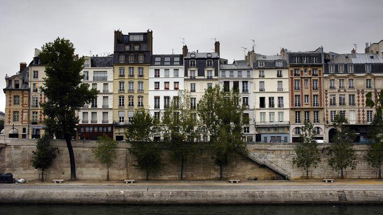 Immeubles de Paris en bord de Seine (VANILLASTRING / E+  / GETTY IMAGES)