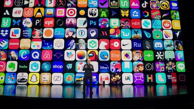 Tim Cook, PDG d'Apple, est en train de lancer la conférence de son entreprise. (APPLE)
