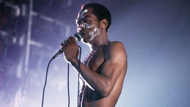Fela Anikulapo Kuti à l'Espace Balard (Paris) en 1983.  (GOUDENEICHE/SIPA)