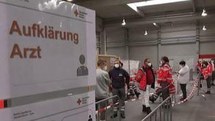 Eurozapping: l'Allemagne prépare une vaste campagne de vaccination contre le coronavirus (FRANCEINFO)