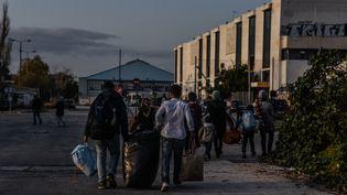 Des réfugiés occupent un ancien aéroport international à Athènes (Grèce), le 28 février 2016. (WASSILIOS ASWESTOPOULOS / NURPHOTO / AFP)