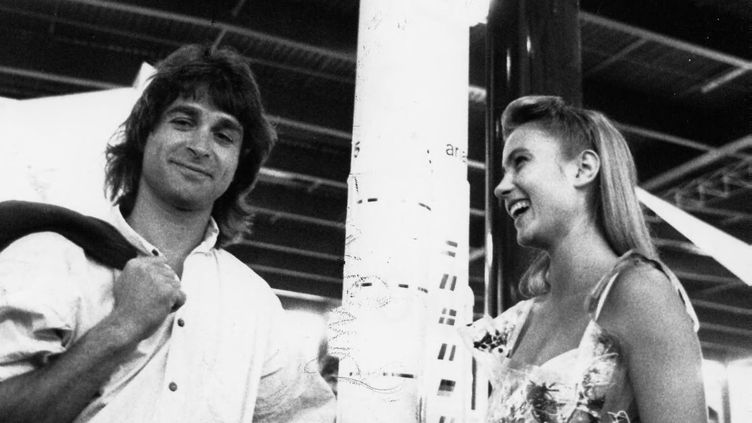 Titouan Lamazou et Gaëlle Voiry, en 1990 à Bordeaux. (DESTHOMAS RENE / MAXPPP)