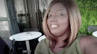 Parmi les trois victimes de l'attentat islamiste commis jeudi 29 octobre dans une église à Nice (Alpes-Maritimes) se trouve la franco-brésilienne Simone Barreto Silva. Une femme qui croquait la vie à pleines dents,d'après ses proches. (France 2)