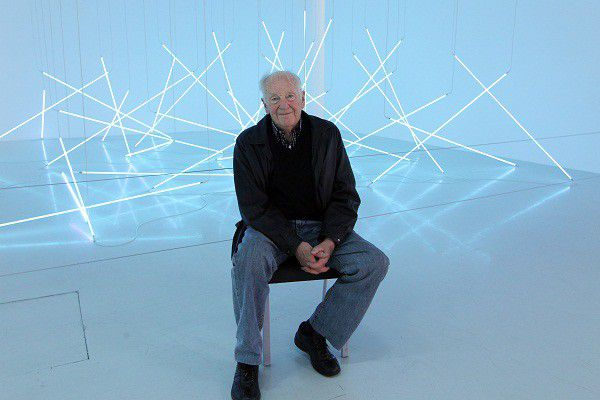 François Morellet en 2011 lors de la rétrospective du Centre Pompidou  (PIERRE VERDY / AFP)