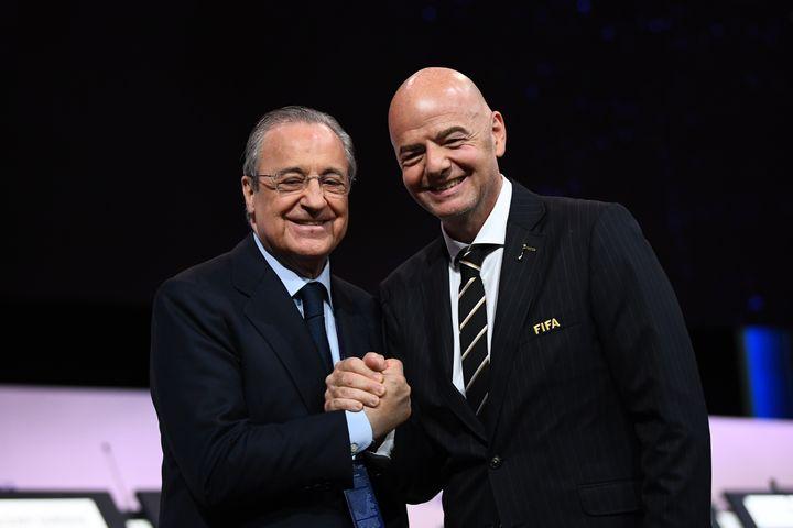 Florentino Pérez et Gianni Infantino (FRANCK FIFE / AFP)