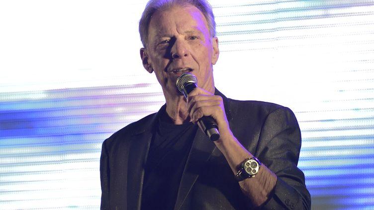 Herbert Léonard, lors d'un concert à Chatou (Yvelines), le 4 septembre 2015. (SADAKA EDMOND / SIPA)