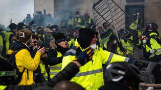 Des manifestants sur lesChamps-Elysées, à Paris, le1er décembre 2018. (KARINE PIERRE / AFP)