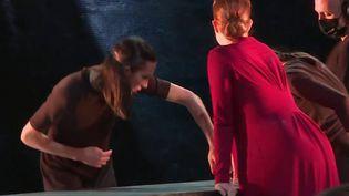 Entre opéra, tango et cirque, María de Buenos Aires est un spectacle inclassable. Il sera joué jusque dimanche 27 juin, aux Nuits de Fourvière à Lyon (Rhône). (CAPTURE ECRAN FRANCE 3)