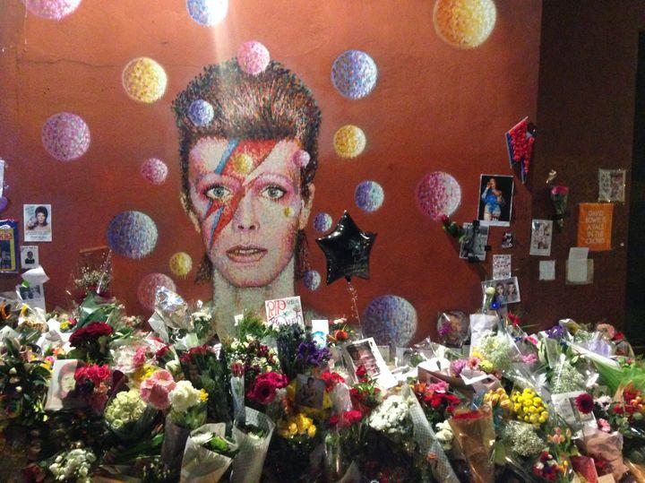 Mémorial en hommage à David Bowie dans son quartier natal de Brixton, à Londres