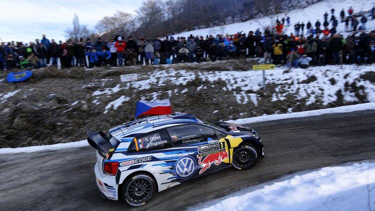 Sébastien Ogier et Julien Ingrassia sur les routes du rallye de Monte Carlo (FRANCOIS BAUDIN / AUSTRAL)