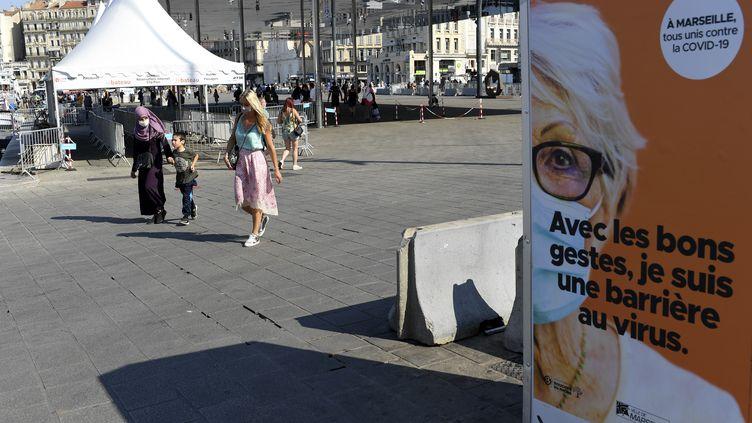 Covid 19 Quelles Restrictions Correspondent Aux Cinq Nouvelles Zones De Vigilance Et D Alerte En France