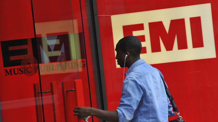 Entrée des bureaux d'EMI à Londres (Angleterre), le 18 août 2010. (TOBY MELVILLE / REUTERS)