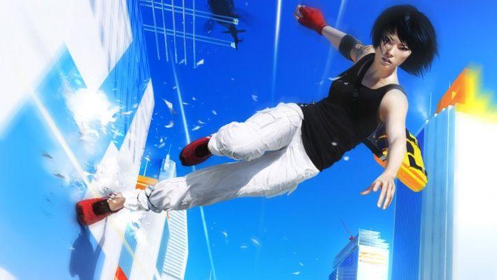 """Faith, l'héroïne de """"Mirror's Edge"""", peut courir aisément sur les murs de verre de sa ville futuriste. (YOUTUBE)"""
