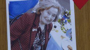 Une photo montrant Mireille Knoll, tuée dans son appartement à Paris, le 23 mars 2018. (LAETITIA PERON / AFP)