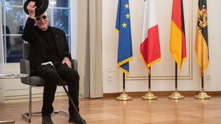 L'illustrateur Tomi Ungerer lors d'une cérémonie à Stuttgart (Allemagne), le 10 octobre 2018. (MARIJAN MURAT / DPA / AFP)