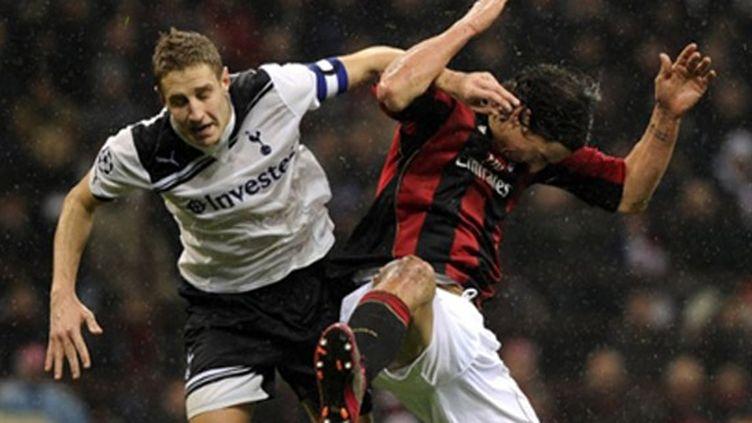 Ibrahimovic bousculé en duel aérien par le capitaine de Tottenham, Dawson