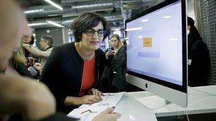 Myriam El Khomri lors de la préparation dela plateforme dédiée au compte personnel d'activité, à Paris, à l'Ecole 42. (THOMAS PADILLA / MAXPPP)