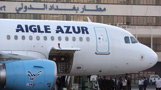 Un Airbus A319 opérant pour la compagnie Aigle Azur, à Bagdad, le 31 octobre 2010. (AHMAD AL-RUBAYE / AFP)