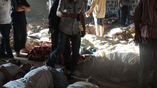 Des images de la rébellion syrienne montrant des victimes de gaz neurotoxiques après des bombardements, à Ghouta, dans la banlieue de Damas (Syrie), le 21 août 2013. (YOUTUBE / SHAAM NEWS NETWORK)