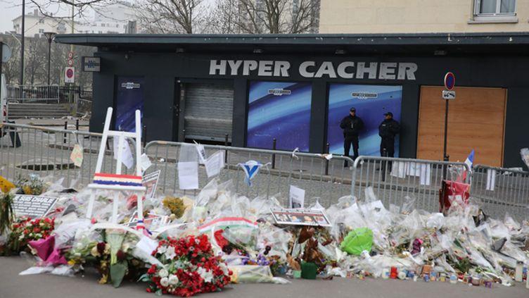 (Quatre clients du supermarché casher de la Porte de Vincennes avaient  été tués le 9 janvier par Amedy Coulibaly  © Maxppp)