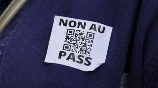 Les opposants à l'extension du pass sanitaire se sont mobilisés à Paris, le 31 juillet 2021. (ESTELLE RUIZ / HANS LUCAS / AFP)