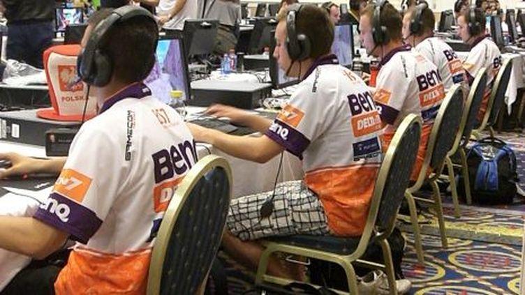 L'équipe polonaise de Counter Strike, sponsorisée par BenQ - 01/07/10 (Louis San)