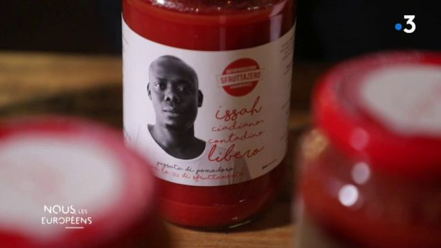 VIDEO. Italie : une sauce tomate éthique avec un visage sur l'étiquette pour lutter contre l'exploitation des migrants