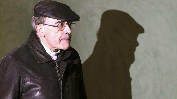 Le cardinal Philippe Barbarin arrive au tribunal correctionnel de Lyon, le 7 janvier 2019. (LAURENT CIPRIANI/AP/SIPA / AP)