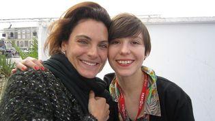 Céline Montoussé (à gauche) et Juliette Imbert (à droite), quelques minutes avant le défilé  (Corinne Jeammet)